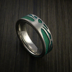 Titanium Spinner Tree Ring with Anodized Textured Background