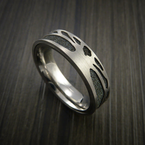 Titanium Spinner Tree Ring with Textured Background