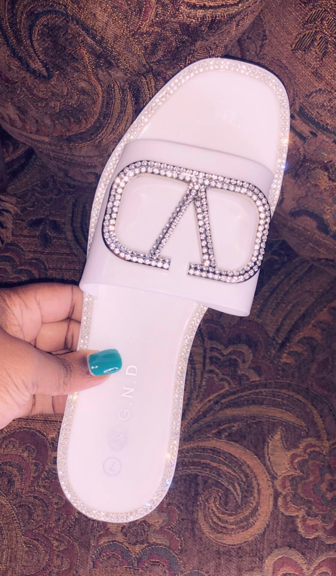Diva Jelly Slides