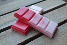 Load image into Gallery viewer, Red and white festive scented snap bar wax melt