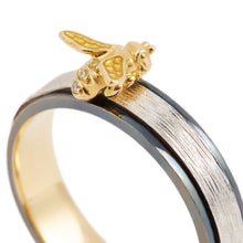 Load image into Gallery viewer, LITTLE CREATURES 18-karats white, yellow and black gold, diamond ring - heting-jewellery