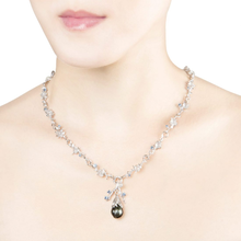 Load image into Gallery viewer, DEWDROP 18 karat white gold, pearl, jade and sapphires necklace - heting-jewellery