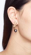 Load image into Gallery viewer, PINECONE 18K yellow gold, black pearl and tsavorites earrings - heting-jewellery