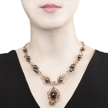 将图片加载到图库查看器,GOLDENBERRY 18 karat rose gold, garnet, pearl, sapphire, diamond necklace - heting-jewellery
