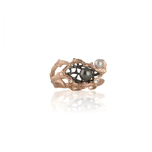 Load image into Gallery viewer, GOLDENBERRY 18 karat rose gold, pearl, sapphire, diamond ring - heting-jewellery