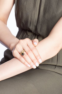 BELLFLOWER 18K gold, black pearl and ruby ring - heting-jewellery