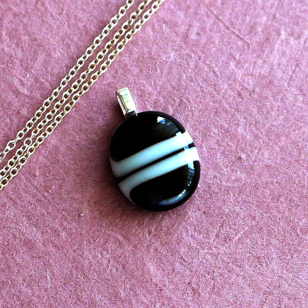 small round elegant black and white pendant