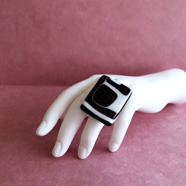 Bold and expressive, XLarge, square shaped statement ring in classic black and white.
