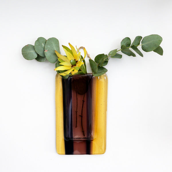 Wall hanging vase for real, dried or artificial flowers