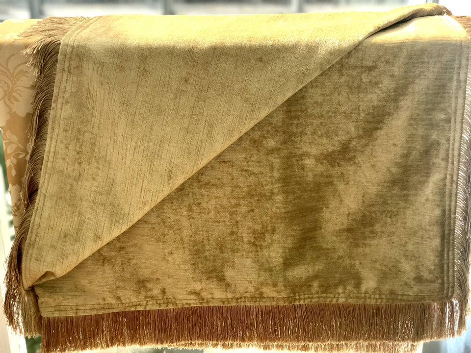 Heavy Gold Throw