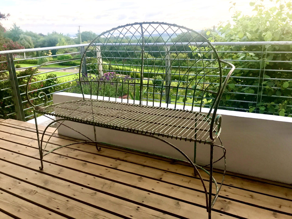 Stylish Metal Bench Seat (1)