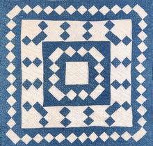Load image into Gallery viewer, * Center Medallion Crib Quilt
