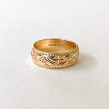 Load image into Gallery viewer, Vintage Wedding Band