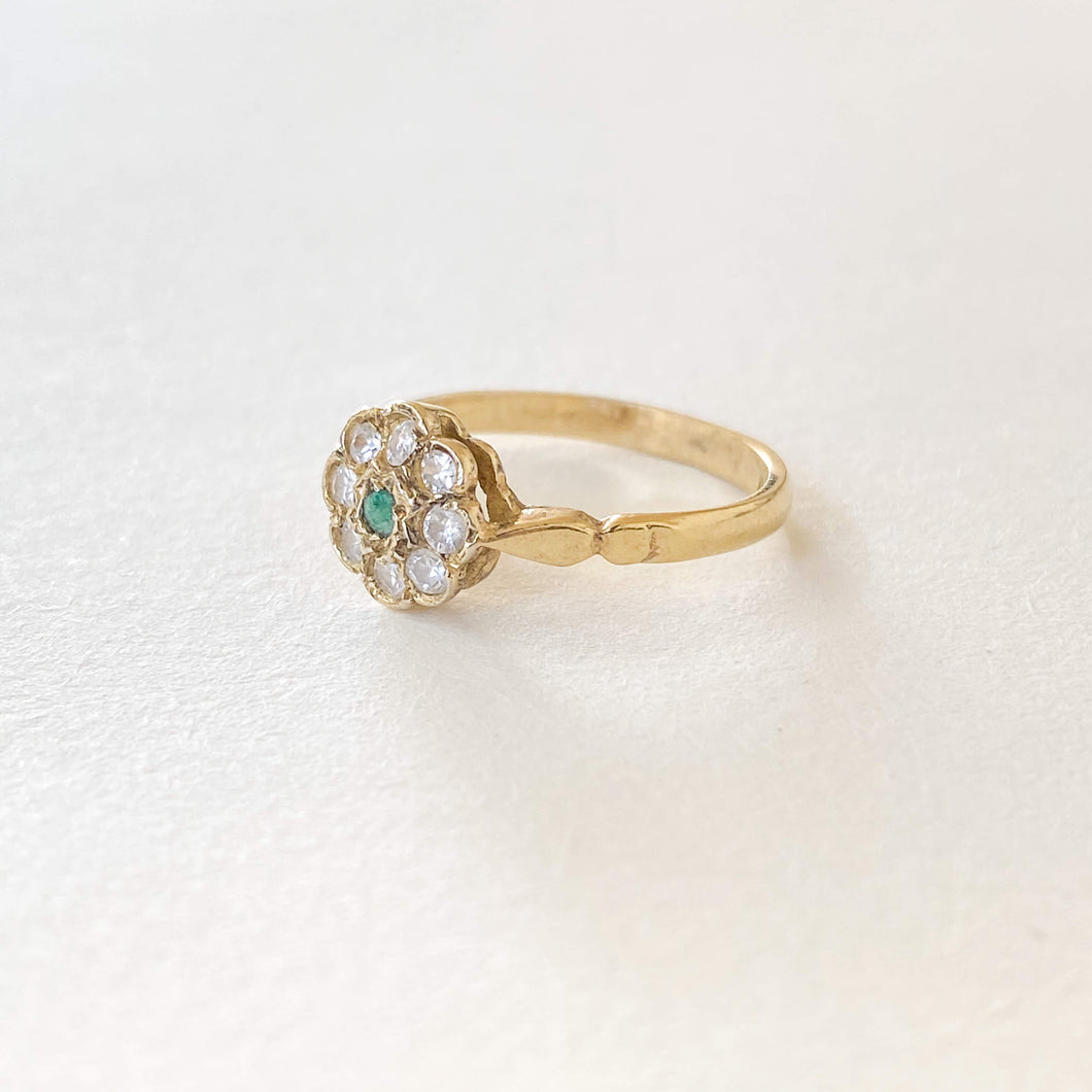 Vintage Emerald Simulated Diamonds Flower Ring