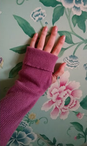 Cashmere Blend Wrist Warmers in Rose Pink