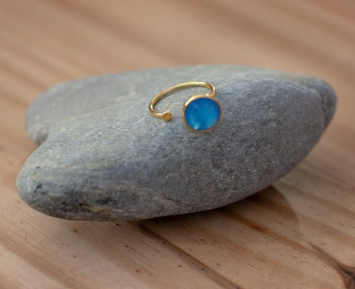 Gold Vermeil Ring with Disc in Blue Chalcedony