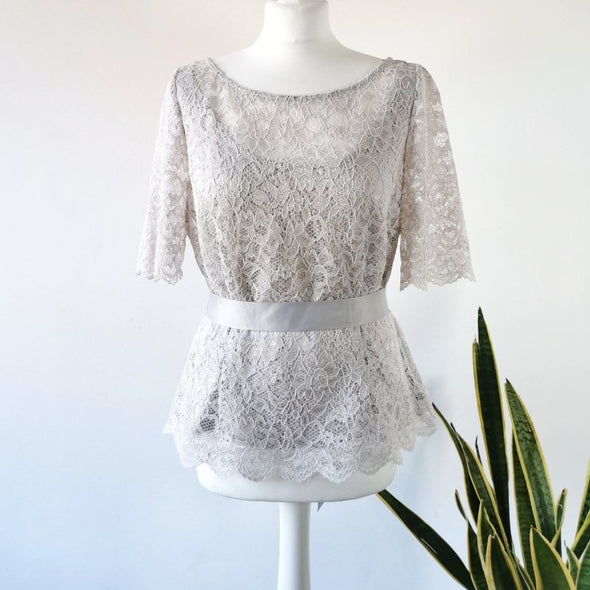 Jacques Vert Lilac Lace Top, Size 14 - EMPORIUM WORTHING