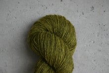 Load image into Gallery viewer, <transcy>Yarn kit for Golden Heart mittens</transcy>