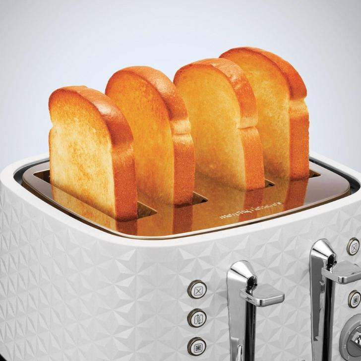 Morphy Richards Toaster 4 Slice Plastic White 7 Heat Settings 1600W