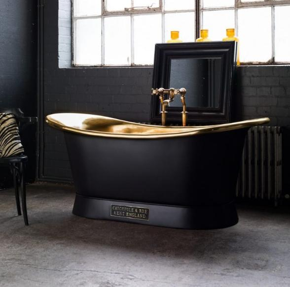 Deluxe Black Bath Tub