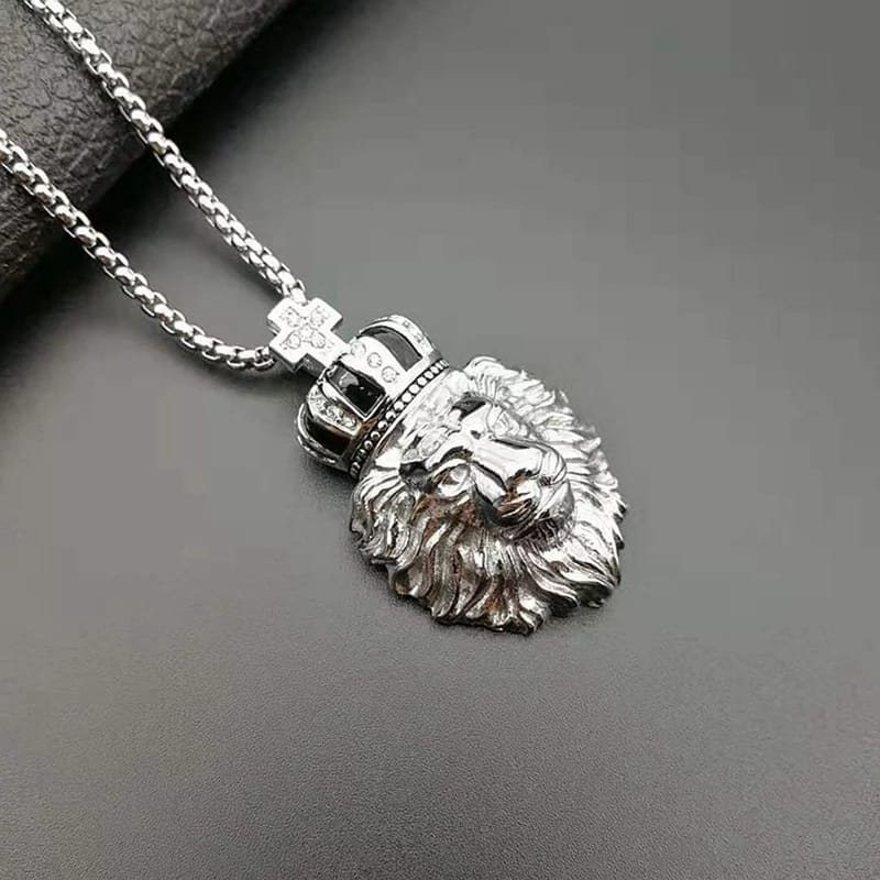 Men Shiny Lion Necklace