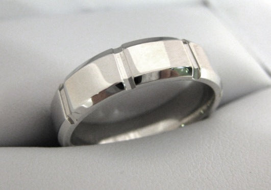 White Gold Men's Wedding Band 3937-6