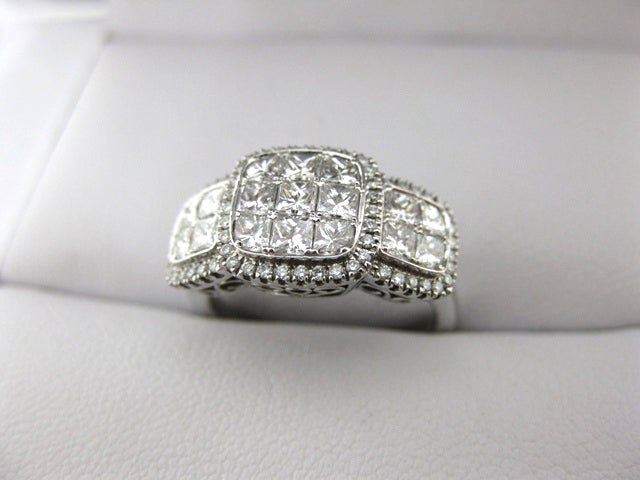 C1879 - 18 Karat White Gold Simon G. Dinner Ring