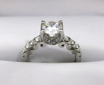 A2007 - 18 Karat White Gold Verragio Ring