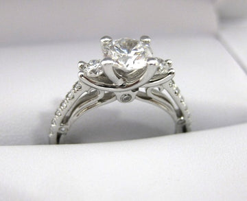 A2175 - 18 Karat White Gold Verragio Ring