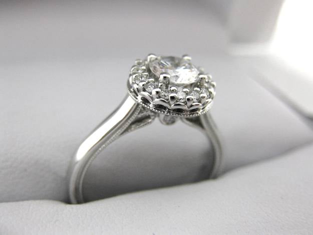 A2518 - 14 Karat White Gold Verragio Ring