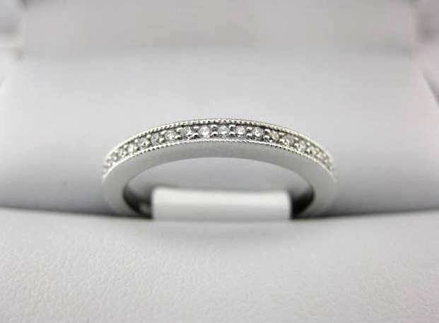 B1579 - White Gold La Vie Women's Wedding Band