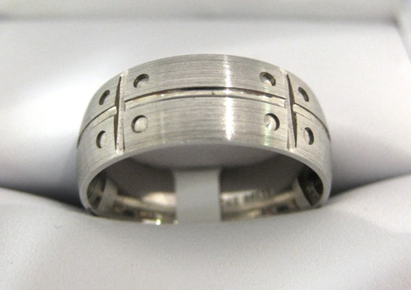 White Gold Men's Wedding Band D150