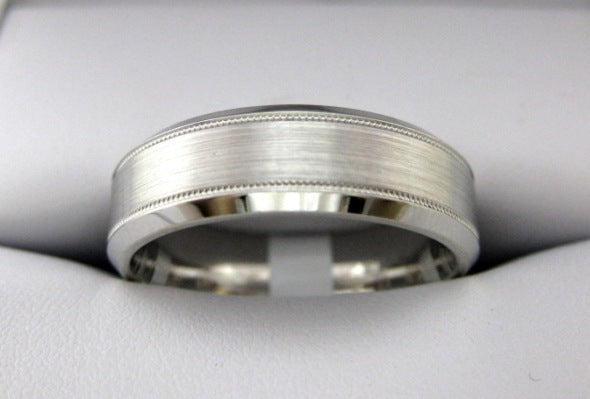 F3094 - 14 Karat White Gold Men's Wedding Band