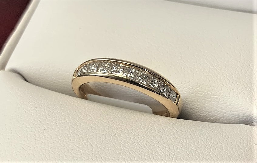 APB4650 - 14 Karat Yellow Gold Band