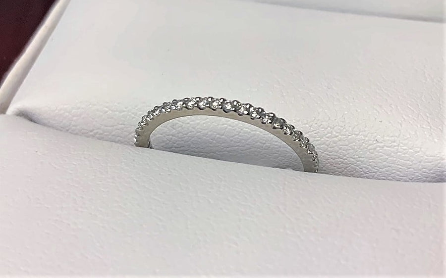C1612 - 14 Karat White Gold Band