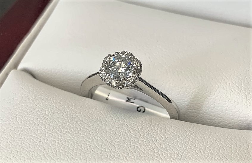 APA4667 - 18 Karat White Gold Engagement Ring