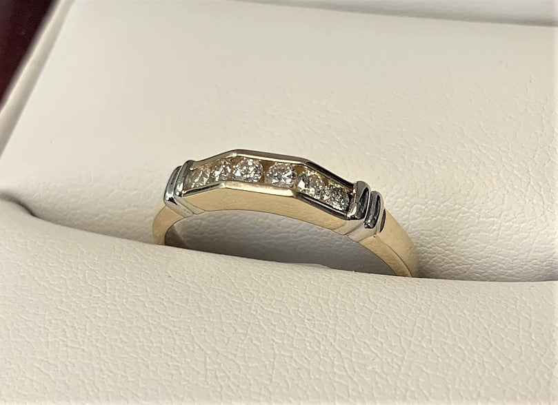APB4546 - 14 Karat White and Yellow Gold Band