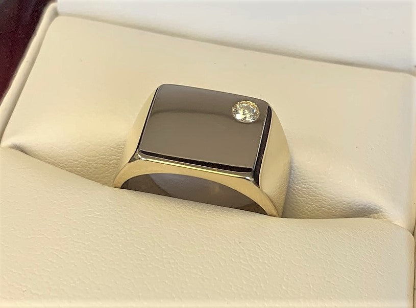 TD7354 - 18 Karat Yellow Gold Custom Ring
