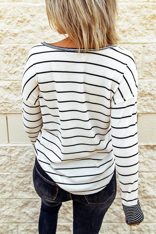 Luluautumn😍Striped Button Knitted Casual Top