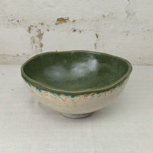 Load image into Gallery viewer, medium bowl hand build green