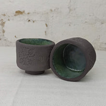Load image into Gallery viewer, Small tea cups, black clay, hand build