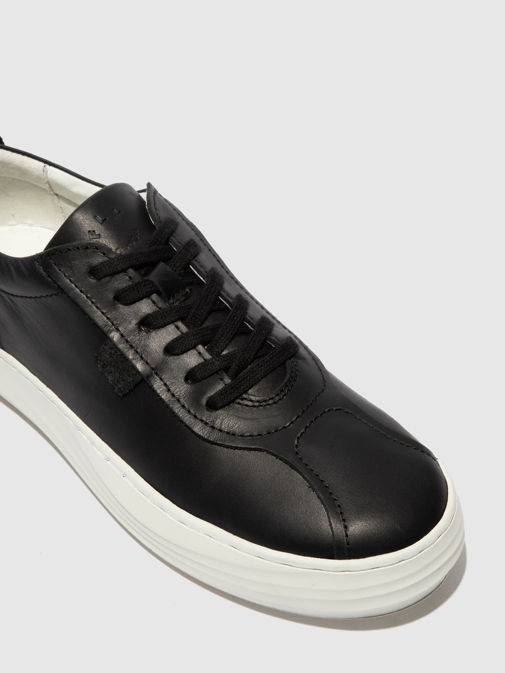 Lace-up Trainers CIKE419FLY BLACK