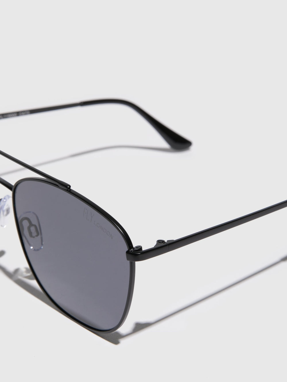 Aviator Sunglasses E115000 BLACK
