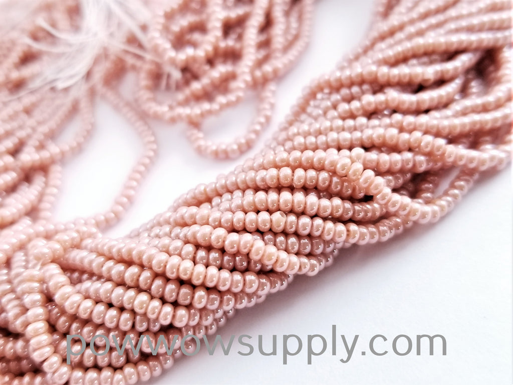 11/0 Seed Beads Opaque Luster Cheyenne Pink