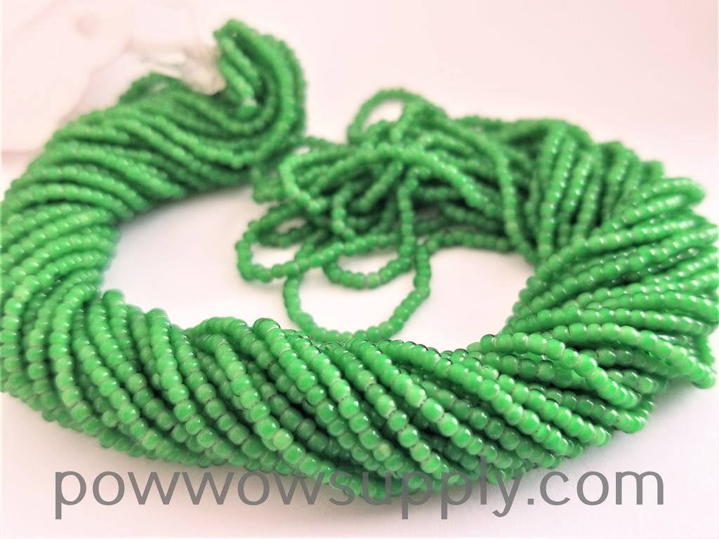 11/0 Seed Bead Green Whiteheart