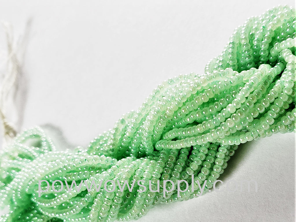 12/0 Seed Beads Pearl Light Green