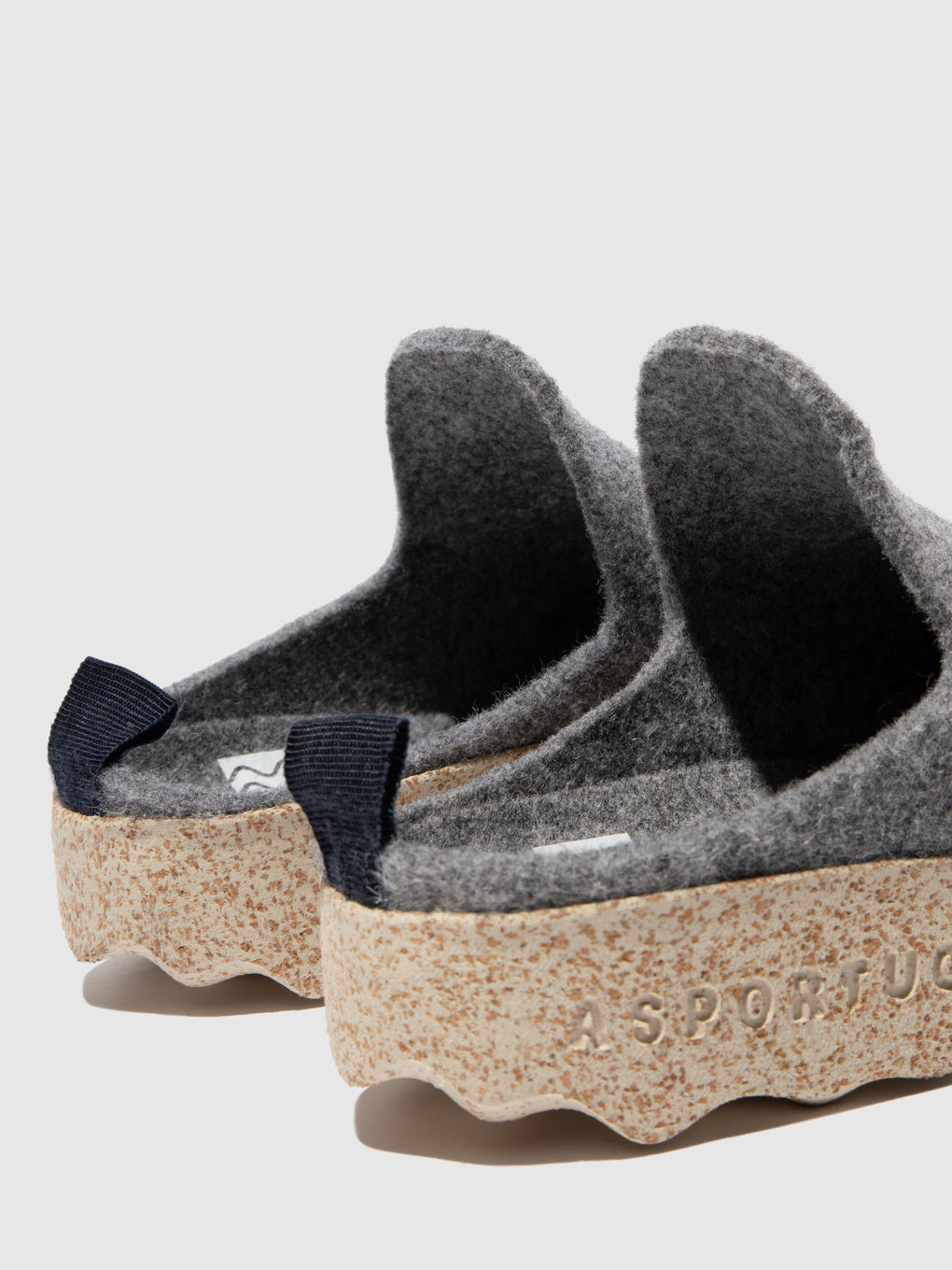Round Toe Mules COME Concrete