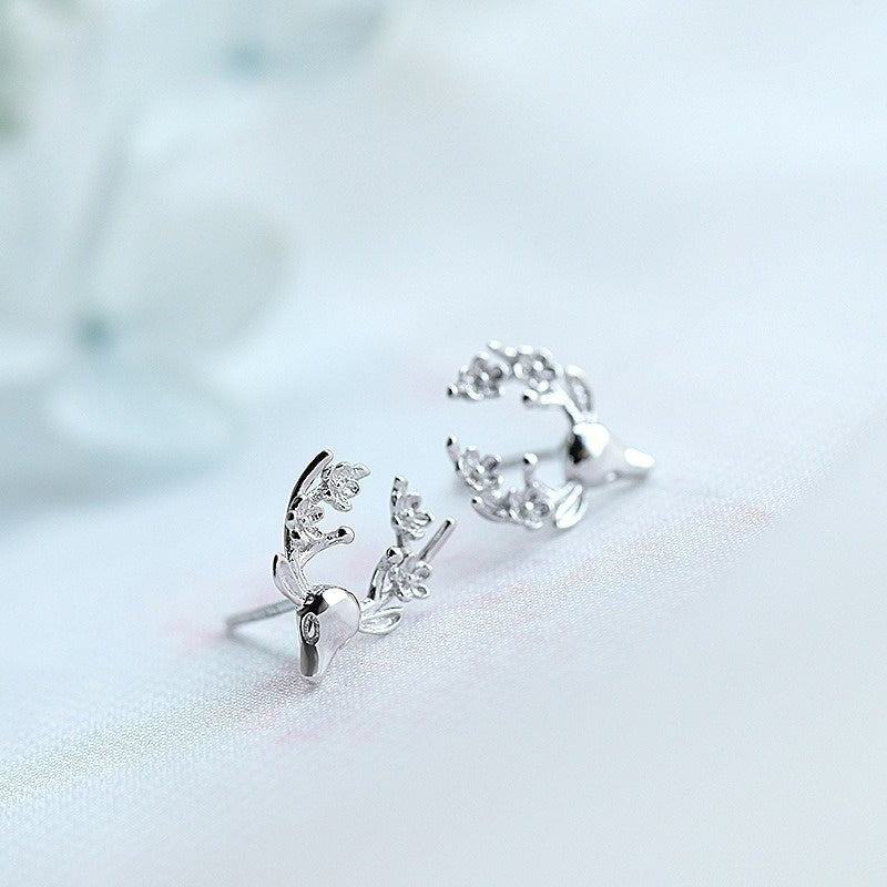 2 Pairs / Set Holiday Earrings 925 Silver Ladies Christmas Earrings for Women Elk Earrings Plum Blossom Earrings Mini Earrings Flower Earrings Antler Earrings Deer Earrings Reindeer Earrings