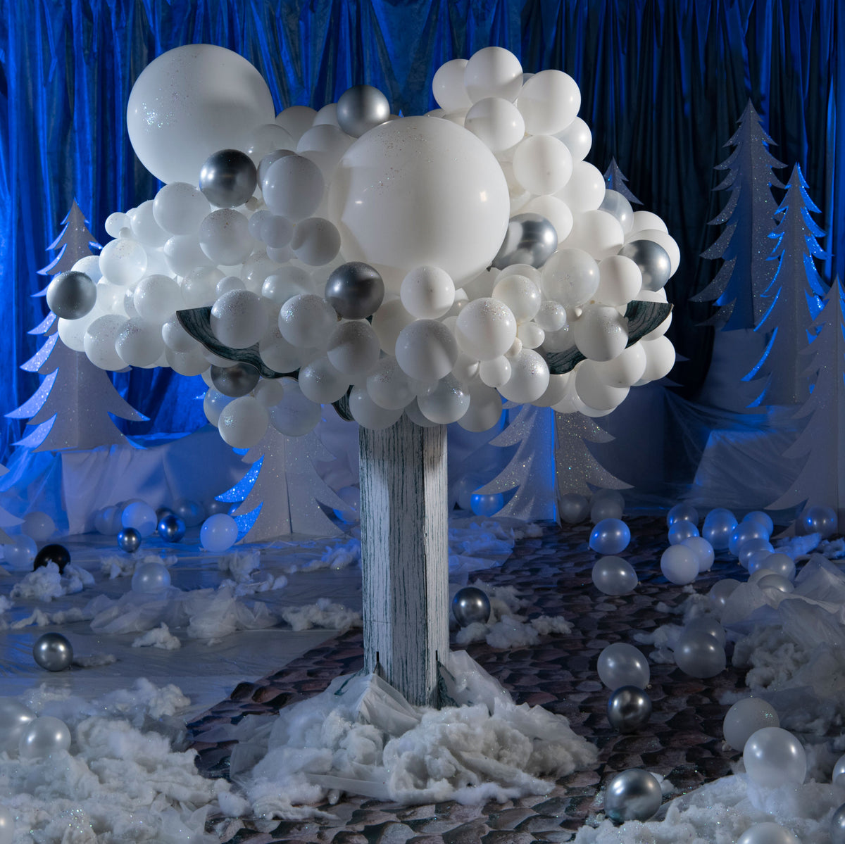 10 ft. Wintry Balloon Tree