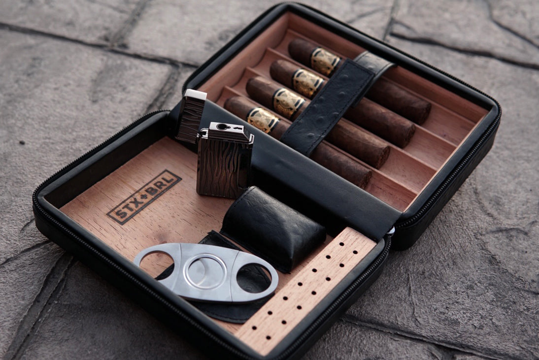 leather travel humidor with lighter and cutter